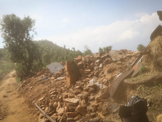 Destroyed villages passed on the way to the Katunge region.