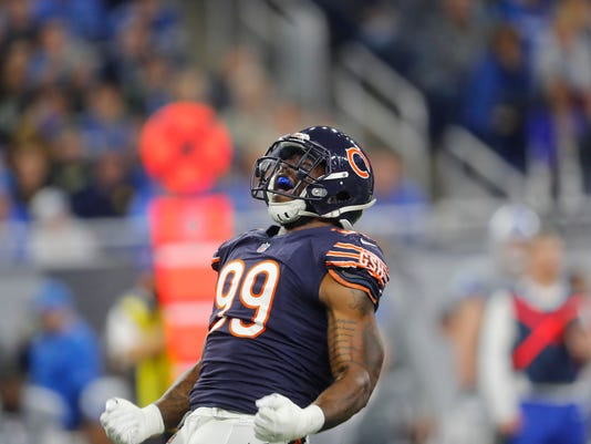Chicago Bears linebacker Lamarr Houston reacts after a play during the first half of an NFL football game against the Detroit Lions, Saturday, Dec. 16, 2017, in Detroit. (AP Photo/Paul Sancya)