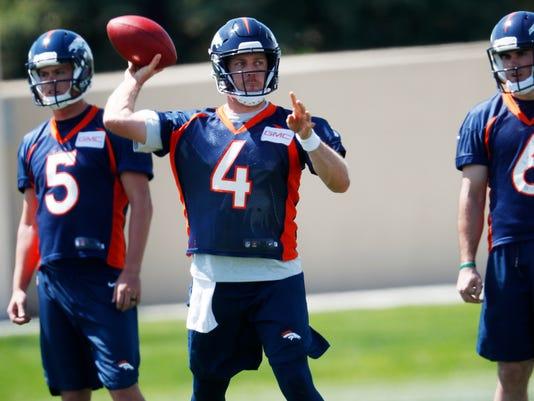 Broncos_Football_80289.jpg
