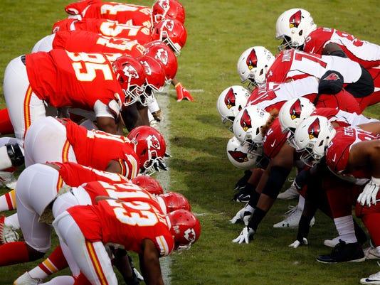 Cardinals_Chiefs_Football_50276.jpg