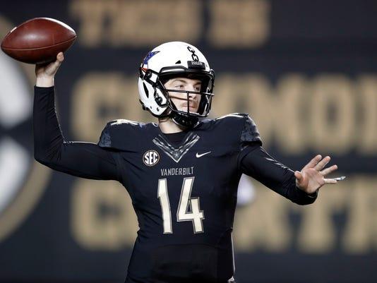 Mississippi_Vanderbilt_Football_98950.jpg