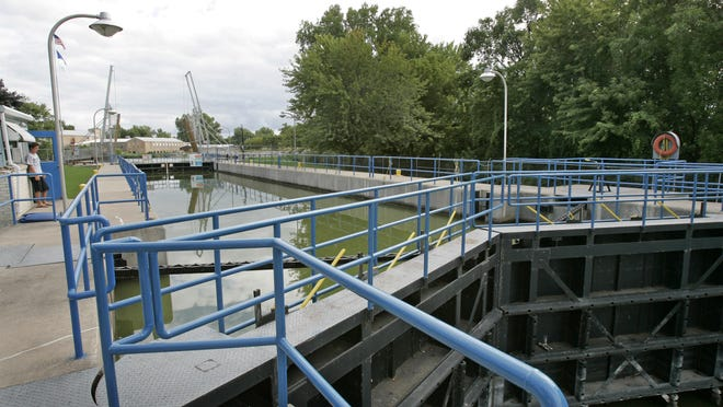A contractor will assess the damage Monday and determine how long the lock will be closed to boat traffic.