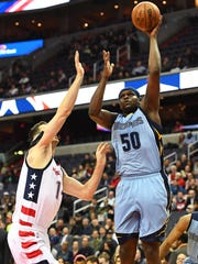 Memphis Grizzlies forward Zach Randolph (50) shoots