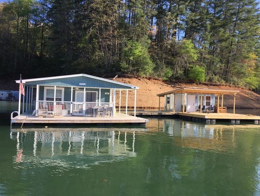 Tva votes to remove floating houses from all its reservoirs - Floating prefabricated home ...