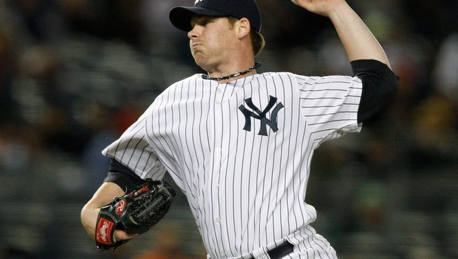 Phil Coke, here pitching for the Yankees in 2009, is back with the Yankees again.