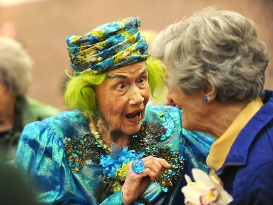 Roy Helen Ackers speaks to Dr. Virginia Connally ,