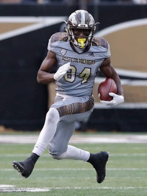15. Philadelphia Eagles*: WR Corey Davis, Western Michigan – The Eagles need to surround QB Carson Wentz with some talent. (The 14th and 15th picks of the draft will be decided by coinflip this week in Indianapolis.)