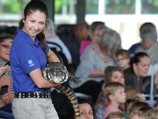 The Dallas Zoo visits River Bend Nature Center