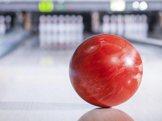 636196980103037217-Bowling2.jpg