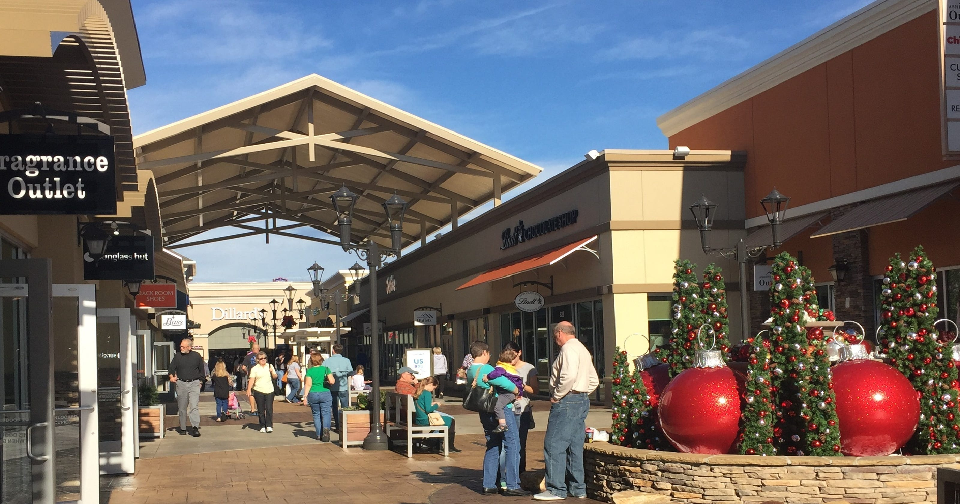Asheville Outlet Mall >> Ice Cream And Gaming 2 Stores Open At Asheville Outlets