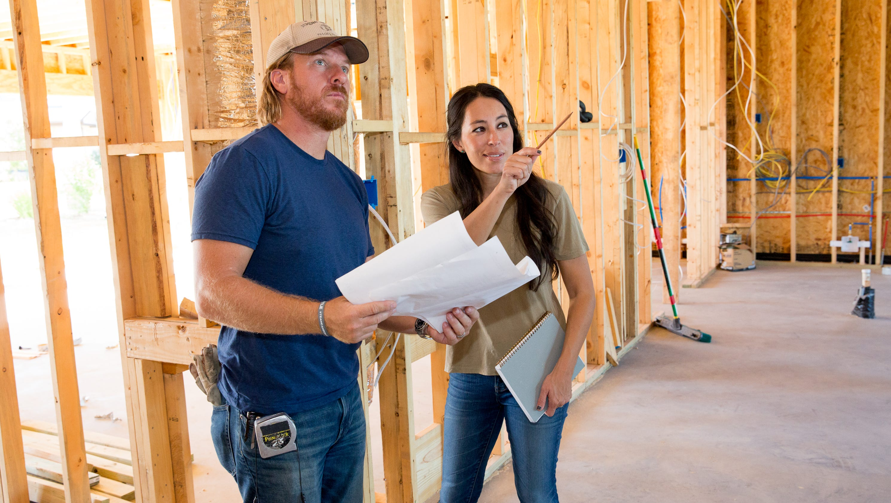 Chip and joanna gaines the appeal of hgtv 39 s fixer upper stars - Chip et joanna gaines ...