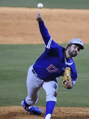 Dodgers pitcher Zach Lee (17) throws the ball during