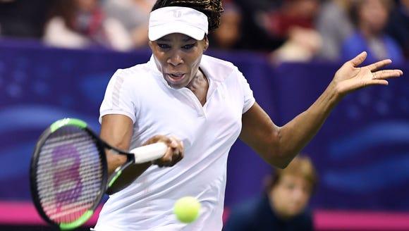 Venus Williams defeated Netherlands' Arantxa Rus 6-1,