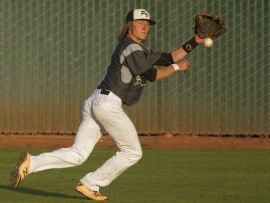 Pine View's Jagun Leavitt makes a catch during a game