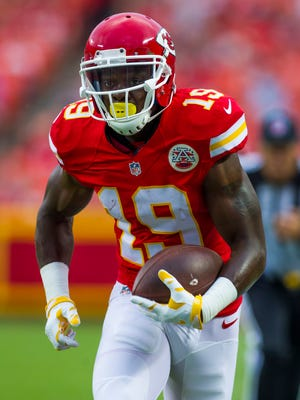With Jeremy Maclin in the fold, Kansas City should have an easy ride against the Texans.