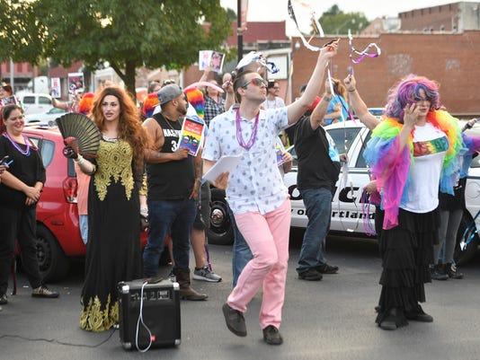 NAS-drag protest