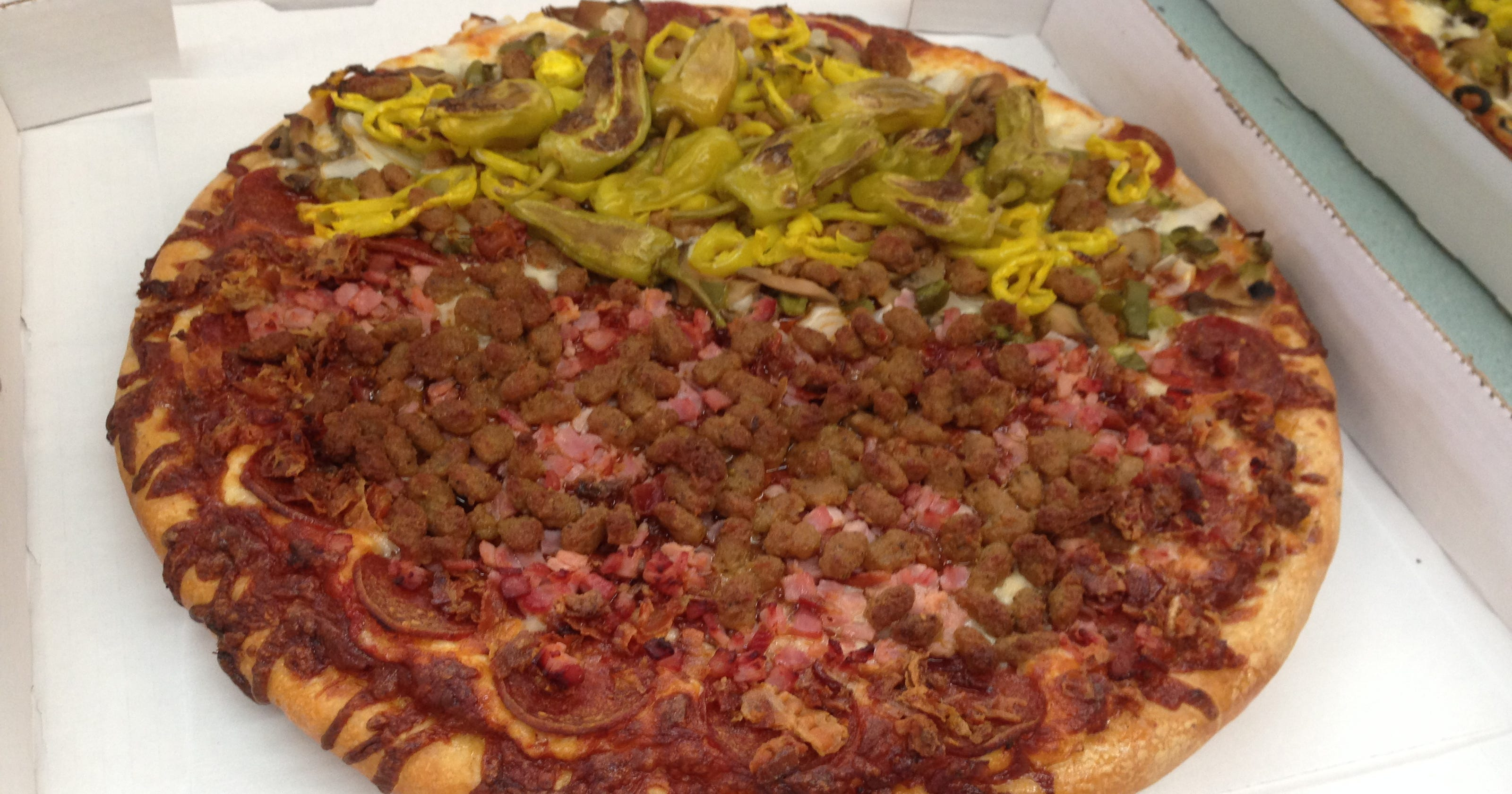 Made to Order: Deschner\'s dishes up pizza, chicken