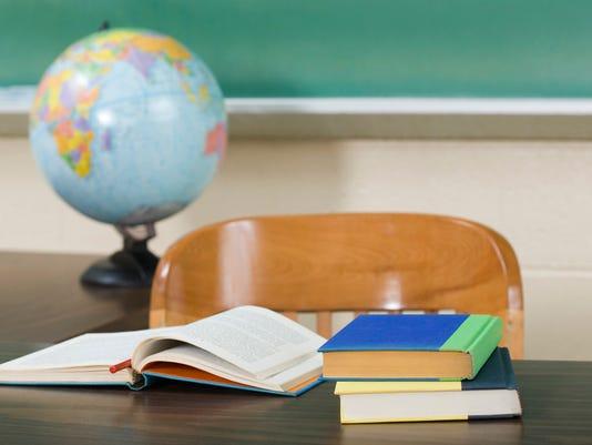 SCHOOL teachers desk 13328481.jpg