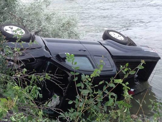 -river crash.jpg_20140802.jpg