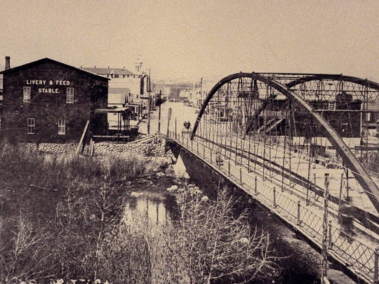 The fourth iteration of the Virginia Street Bridge, which stood from 1877 to 1905.