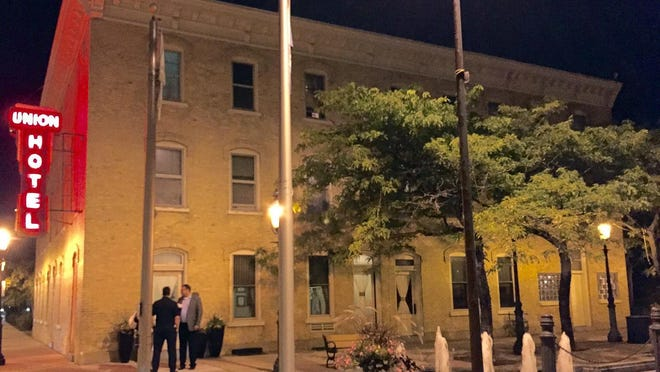 De Pere's Union Hotel was built in 1883 using Cream City brick. A third floor was added in 1920, and today the business' main focus is its supper club restaurant.