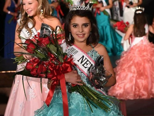 FMN Pageant 0612 01