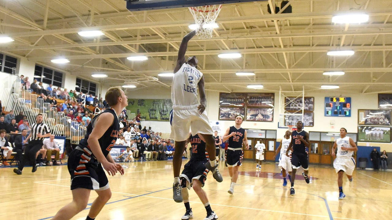 Robert E. Lee, Stuarts Draft and Riverheads boys join the Draft, Wilson and Riverheads girls in regional playoffs as they try to make it to the state playoffs.