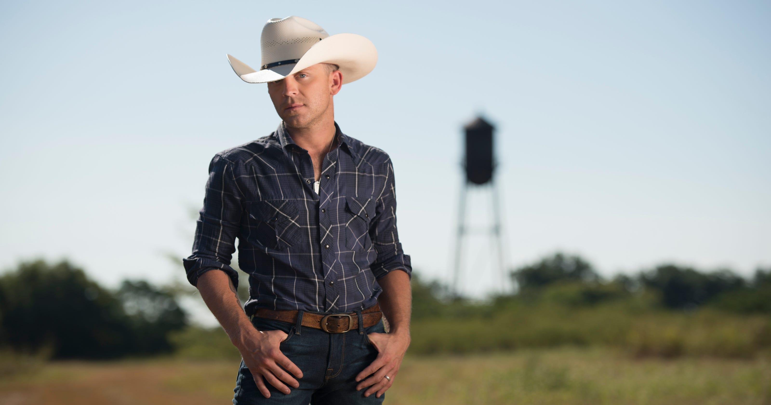 Justin Moore Announces Ryman Auditorium Concert