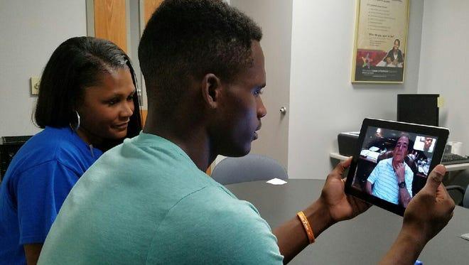 La Vergne's Maleik Gray talks with Alabama coach Nick Saban recently.