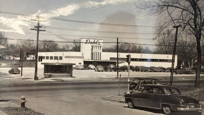 This photo from 1952 shows the Dahl's supermarket at the corner of Ingersoll Avenue and 35th Street in Des Moines. At the time it was the largest supermarket in the Midwest, at 21,000 square feet. It was one of the first stores to have a pharmacy and a bakery.