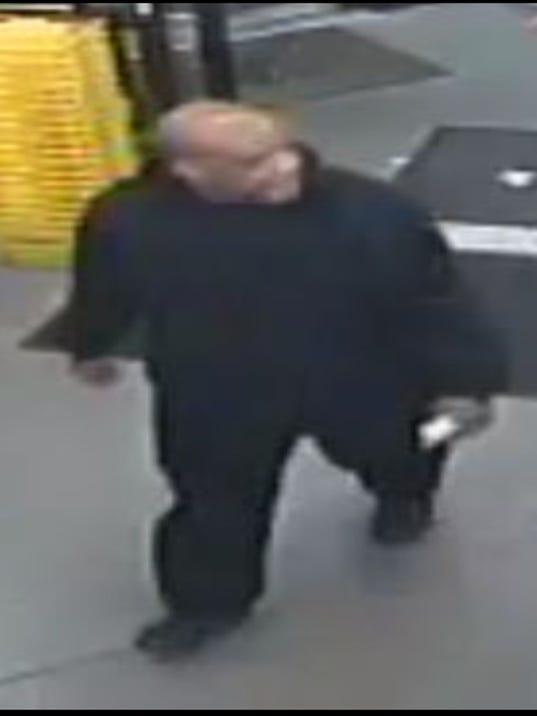 636414030046662131-Dollar-General-suspect.jpg