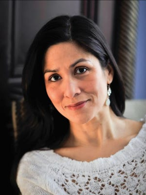 New York Times best-selling novelist Marisa de Los Santos of Wilmington brings back a favorite character in her new book out Tuesday