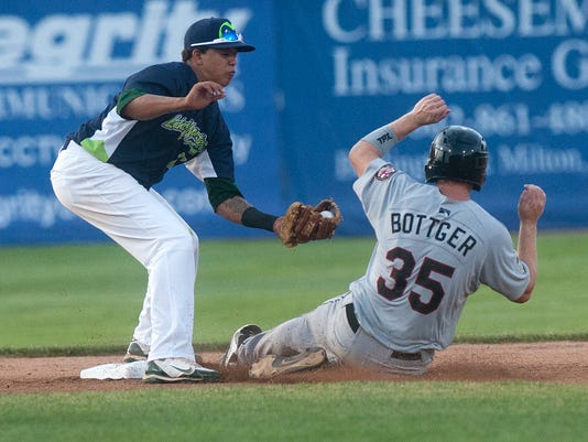 -BUR 0701 lake monsters C1.jpg_20140701.jpg