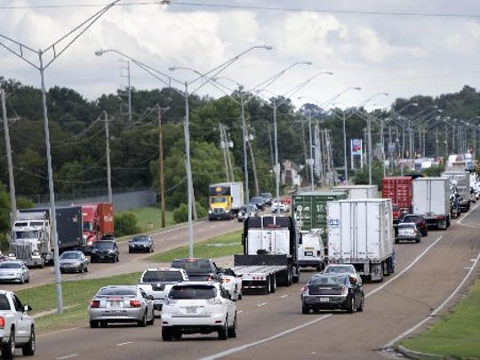Lamar Avenue bottlenecks are among obstacles to efficient flow of freight to, from and through Memphis.