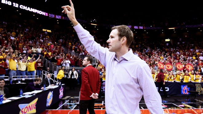 Fred Hoiberg waves to the Iowa State crowd.