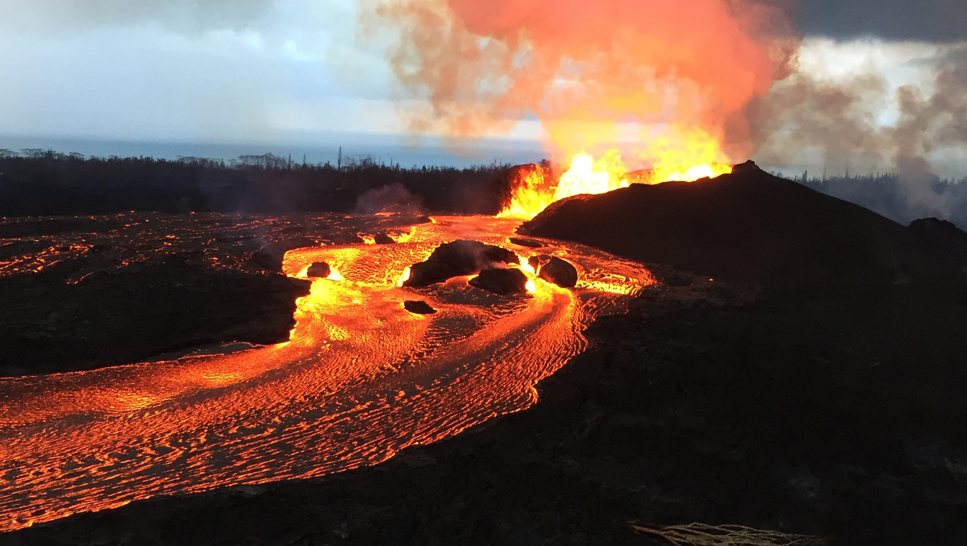 Hawaii volcano eruption is now one of the biggest in ...