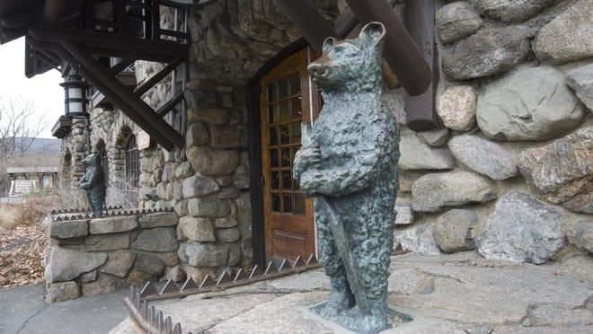 The Bear Mountain Inn.