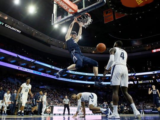 Xavier_Villanova_Basketball_95123.jpg