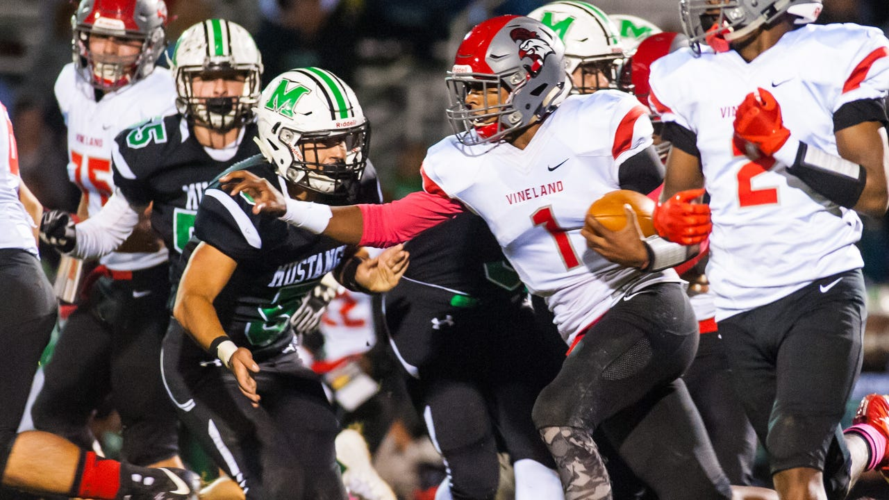 Vineland continued its winning ways with a 58-0 drubbing of Mainland Regional on Friday, October 27.