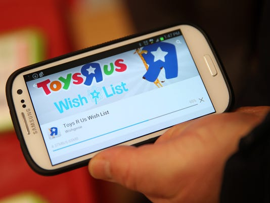 More holiday wish lists go digital