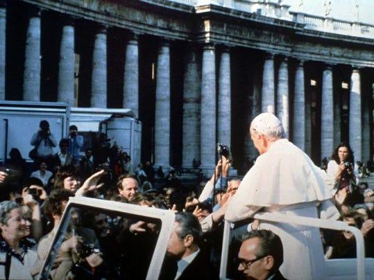 Pope gun 1 (DO NOT CROP).jpg