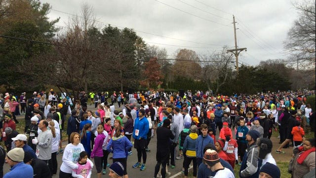 Runners gathering for the 21st Boulevard Bolt