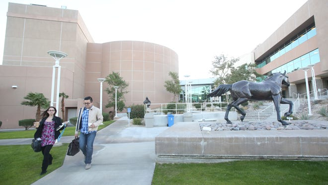 Cal State San Bernardino's Palm Desert Campus will launch a full-ride scholarship program for the 2017-18 school year, the first of its kind at the university.
