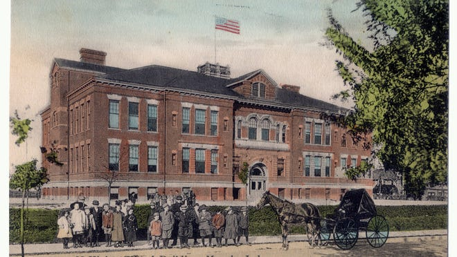 This postcard circa 1910 shows McKinley Elementary at 600 N. Mulberry St. The building was closed in 1972.