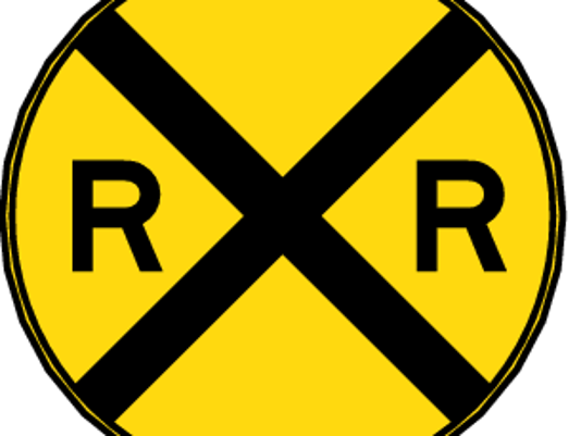 635578975957856208-Railroad-Crossing