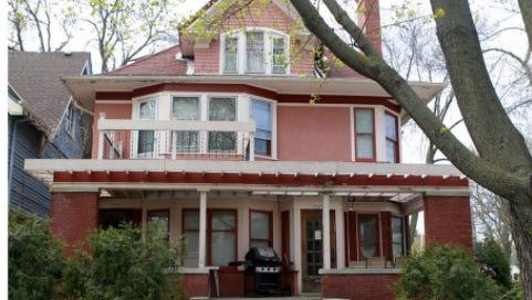 Marina Kolchinsky Porush's home on N. Shepard Ave.