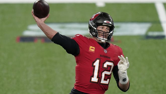 Buccaneers quarterback Tom Brady throws against the Giants on Monday in East Rutherford, N.J.