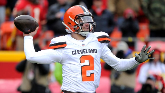 Browns quarterback Johnny Manziel received a citation for expired license plates the same day he was spotted gambling in Las Vegas.