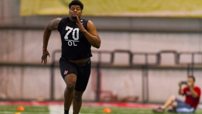 Former Ragin' Cajuns offensive lineman Mykhael Quave runs the 40-yard dash during UL's Pro Day last month.