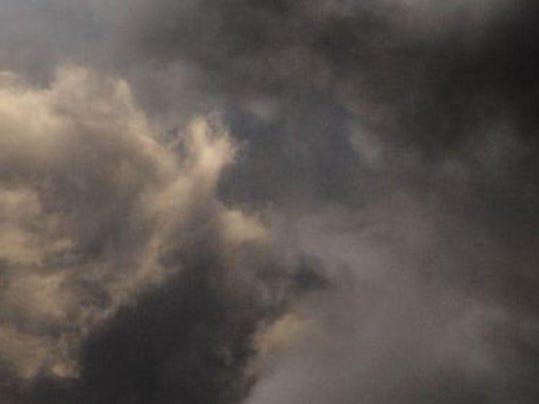 635706481770863778-storm-clouds